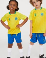 20S2-093 H&M Football set - 12-14 tuổi